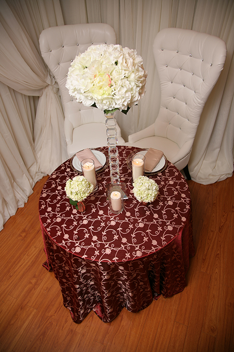 Burgundy Amp Gold Tablecloth Right Choice Linen