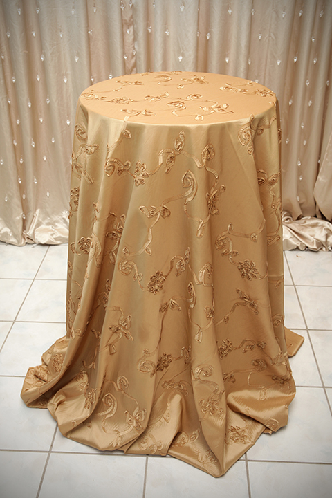 Ivory Lace Overlay With Blush Satin Tablecloth Right