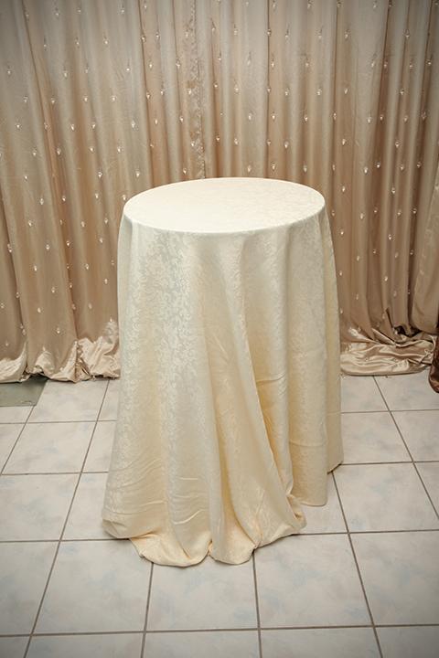 Ivory Damask Tablecloth