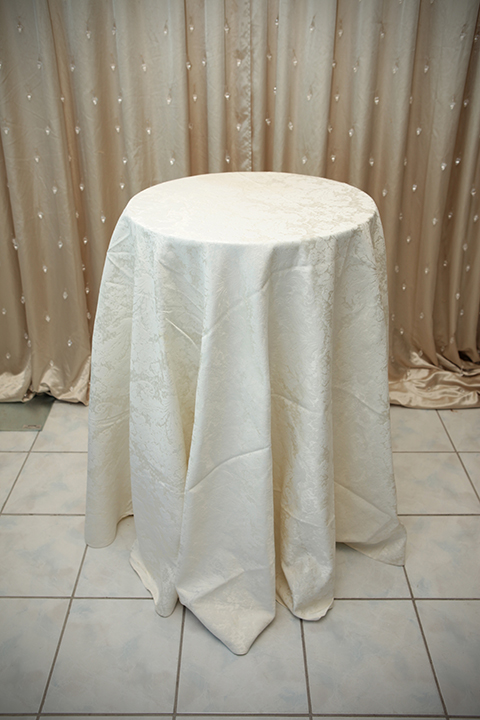 Old Style Ivory Damask Tablecloth