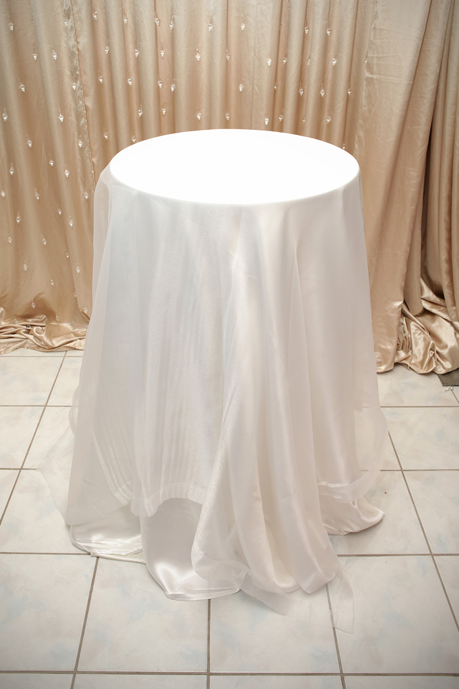 Sheer Overlay Table Cover White