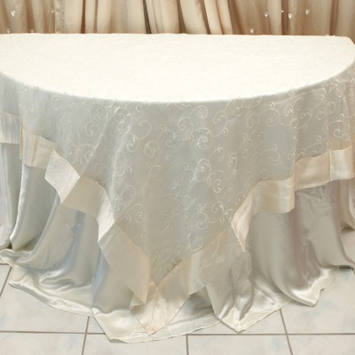 Swirl Overlay Table Cover Ivory
