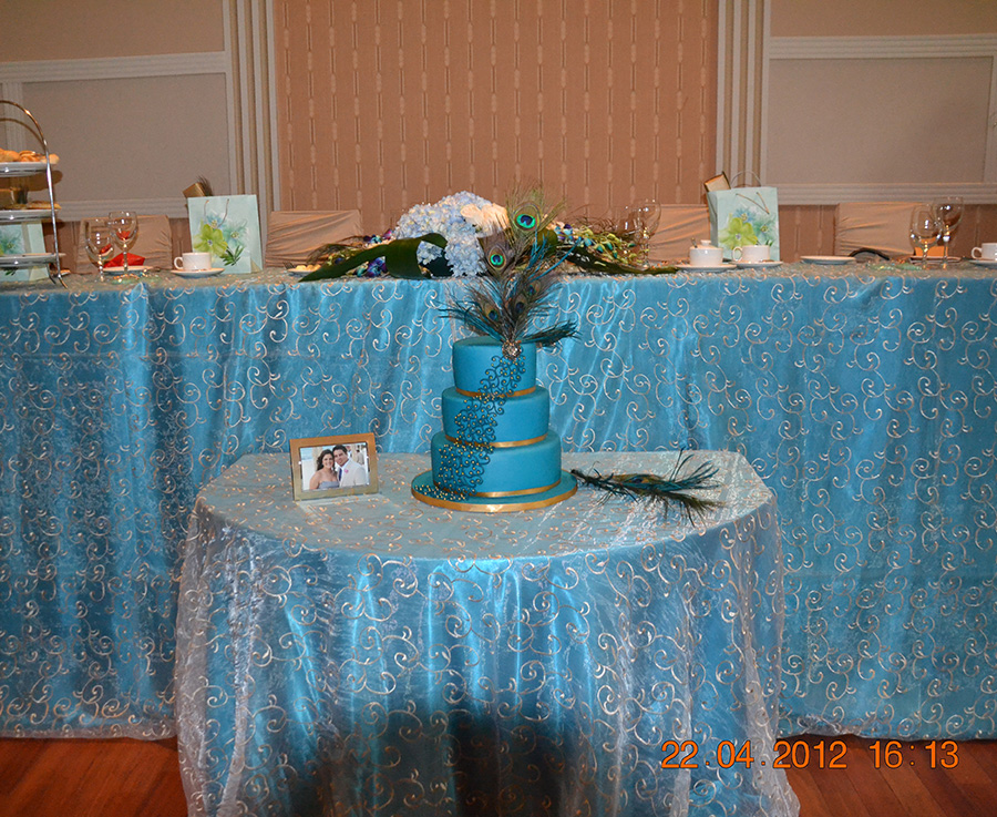 Swirl Overlay Table Cover Peacock with Champagne